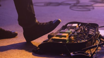 how to use guitar effects pedals