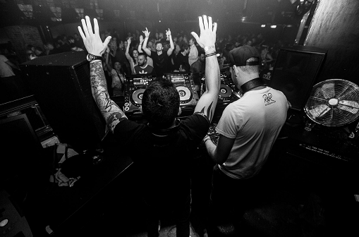 DJing at a club and showing how to get a DJ residency